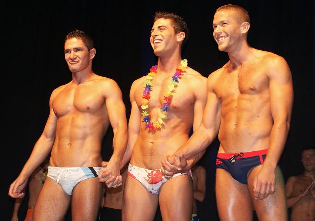 video straff homofile menn med muskler
